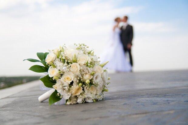 Вмираючий одружився на коханій за лічені години до смерті: ці фото змусять плакати будь-кого