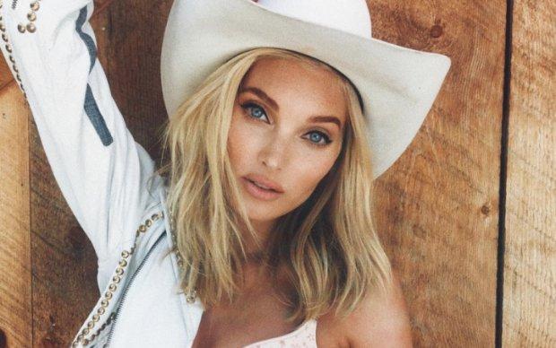 Ангел Victoria's Secret розбурхала пікантними фото на пляжі