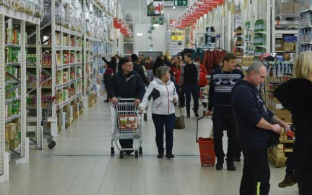 Как черт ладана: россияне боятся прикасаться к новым купюрам
