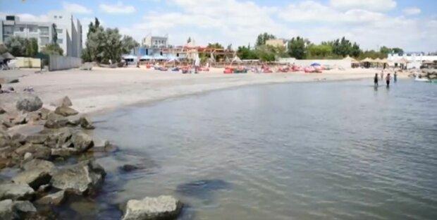 Кирилловка после отравления детей угодила в новый скандал - зараза на пляже