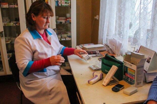 Медики, всі - на села: франківським лікарям зроблять приємно, деталі
