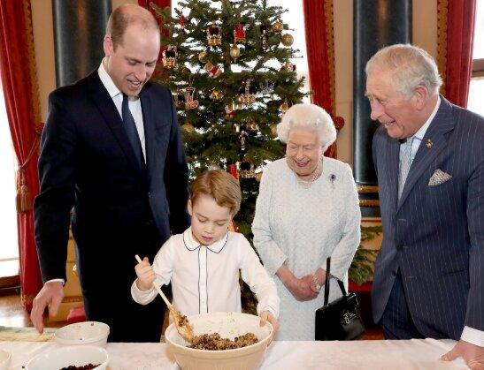 Королевская семья, фото: instagram / theroyalfamily