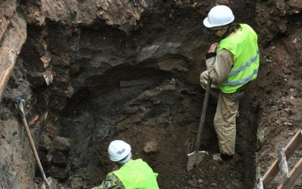 Москва будувалась на костях: під трасою знайшли старий цвинтар