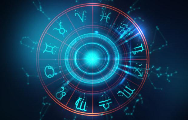 Гороскоп на 17 апреля для всех знаков Зодиака: Козерогам нужно отдохнуть, Скорпионов постараются спровоцировать