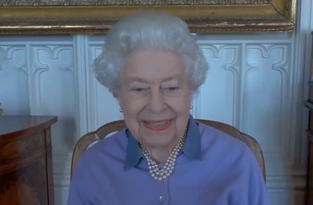 Королева Елизавета II, кадр из видео