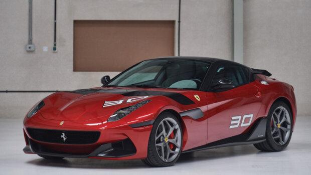 """Ни одна девушка не пройдет мимо: единственную в мире Ferrari SP30 хотят """"отдать"""" в хорошие руки"""