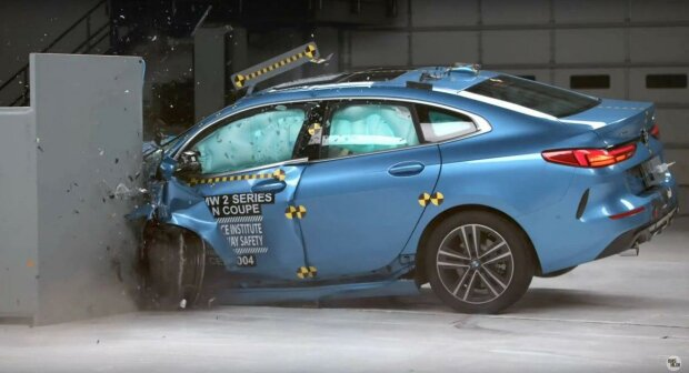 BMW 2, краш тест