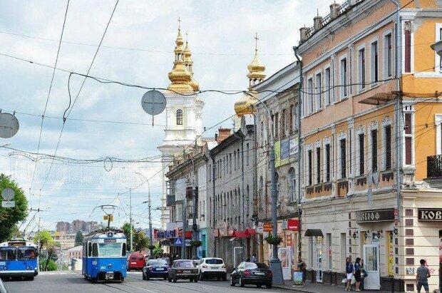 """Найчистіший транспорт в Україні: Вінницю """"коронували"""" в Європі престижною премією"""
