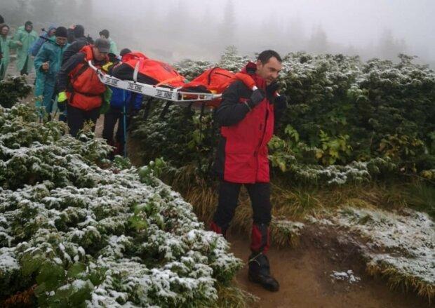Рятувальники на горі Піп Іван Чорноморський, фото ДСНС України