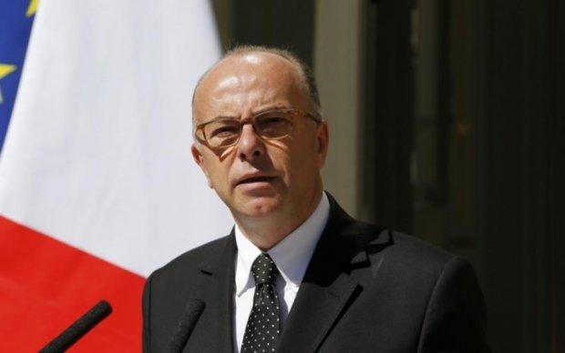 """Премьер-министра Франции """"случайно"""" ограбили"""