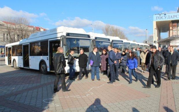 Окупанти розвалили Крим: зріють бунти невдоволення