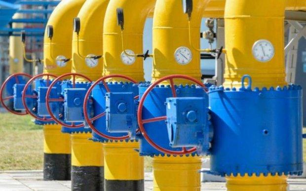 Коліть дрова: ціни на газ доб'ють українців