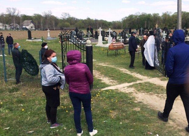 Похороны Ивана и Андрея Фрунзи, источник: molbuk.ua