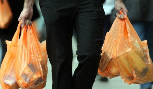 Шийте торбинки: в Україні заборонять пластикові пакети