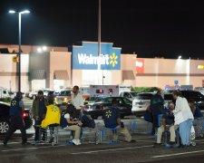 Неизвестный расстрелял посетителей супермаркета Walmart