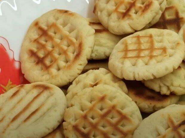 """Печиво на сковороді за 5 хвилин - простий рецепт, щоб не """"мучити"""" духовку"""