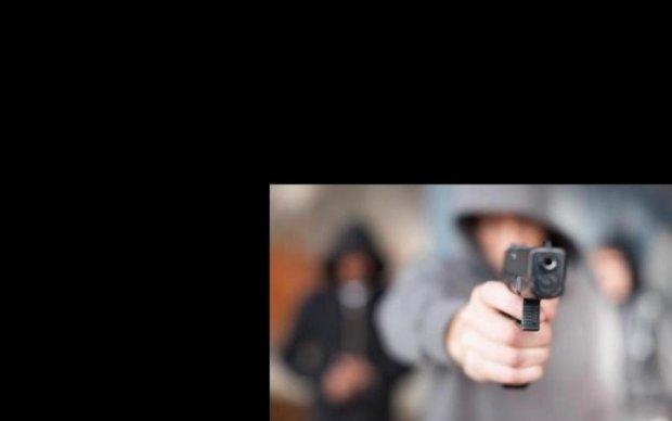 Стрілянина у кафе на Донеччині: поранено чоловіка