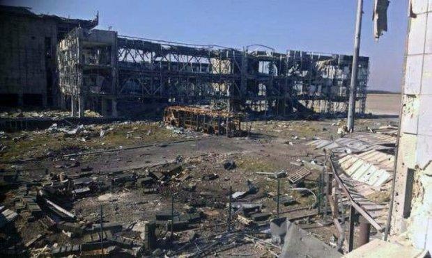 У Донецькому аеропорту знайдені тіла загиблих в неідентифікованій формі