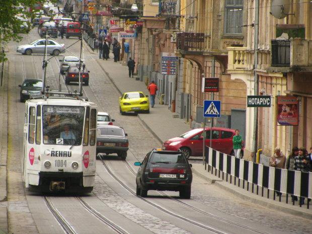 Львовский шумахер устроил кровавый боулинг на пешеходном переходе: шансов не было