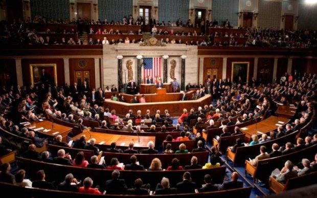 """""""Коллекторские"""" страсти: американские сенаторы прессуют банки кремлевских олигархов"""