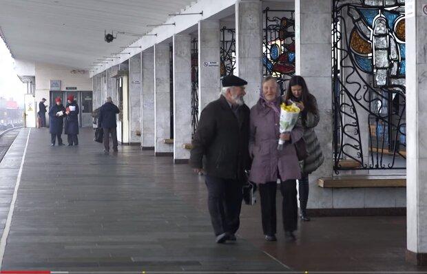 """Шантажируют и угрожают: украинцам подсказали способ """"приструнить"""" коллекторов"""