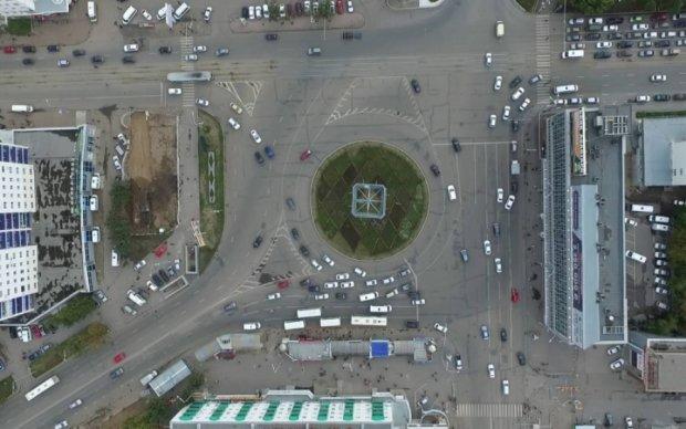 Водителей предупредили о новых правилах движения на перекрестках
