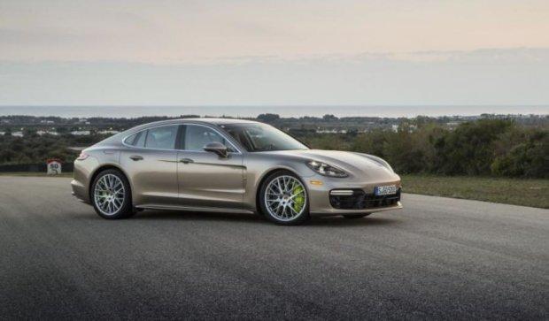 Porsche представить свій найпотужніший гібрид