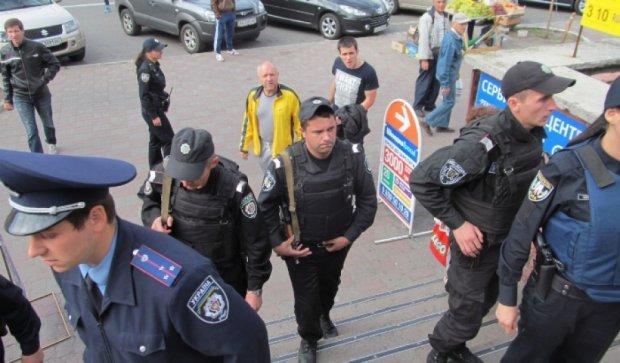 В Киеве активистов «Голодного бунта» избили охранники супермаркета
