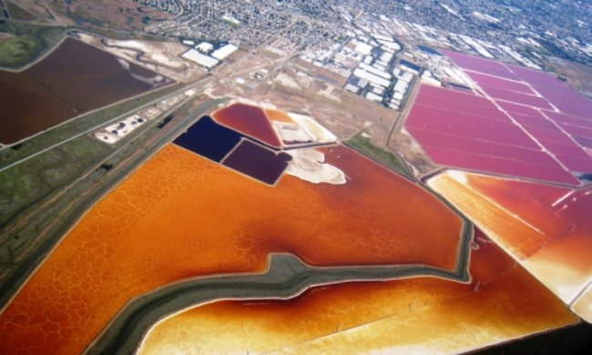 Фотограф показав красу соляних полів з висоти пташиного польоту