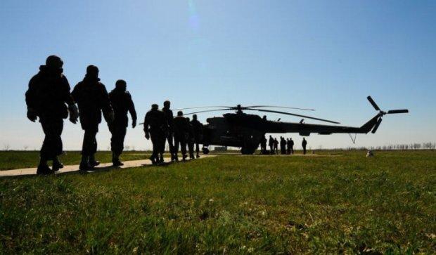 Спецназ Нацгвардії показав, як десантується з гелікоптера (відео)