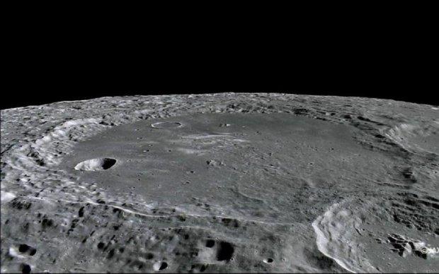 Стало известно, почему Луна в постоянной опасности