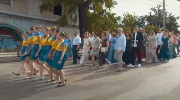 Мэр Тернополя Надал вспомнил молодость и сделал школьникам ценный подарок