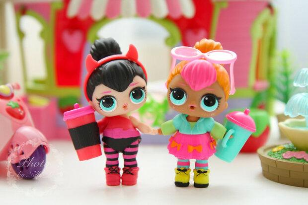 Сезони кукол LOL