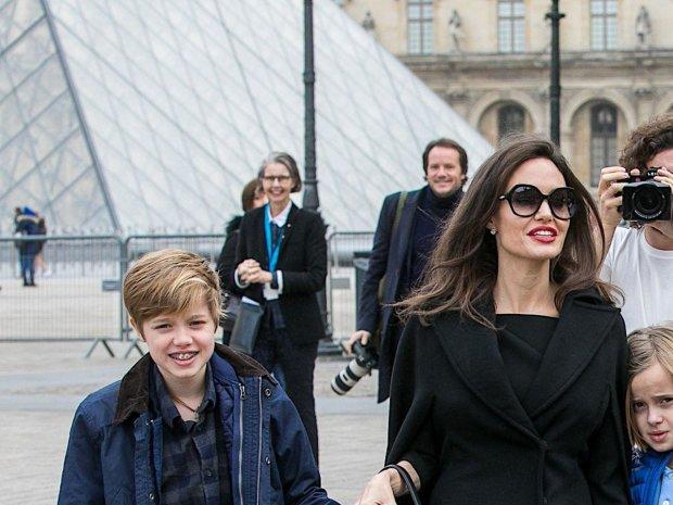 Вся в отца: дочь Анджелины Джоли и Бреда Питта окончательно превращается в мальчика