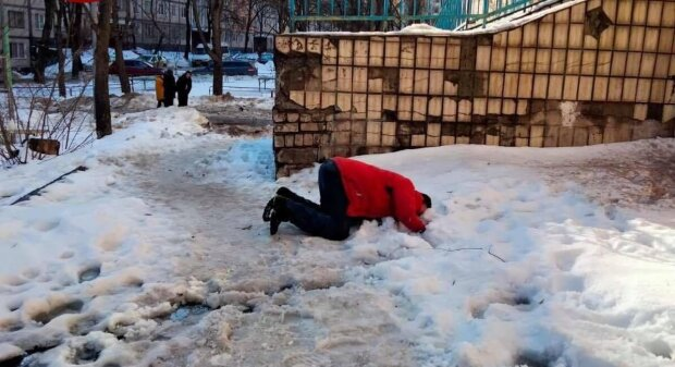 """Гість """"наливайки"""", фото: Facebook (Київ Оперативний)"""