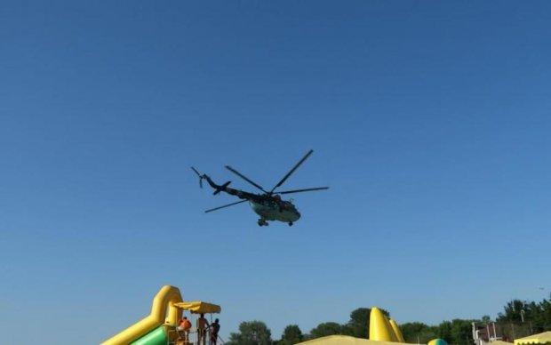 Военные вертолеты оккупантов кружат над головами отдыхающих: что происходит