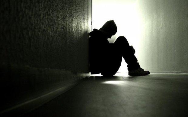 Загадкове самогубство чоловіка поставило Рівненщину на вуха: знайшли записку