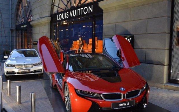 Авто от-кутюр: Louis Vuitton оттюнинговала новейшие BMW