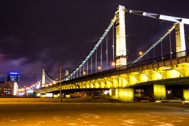 На Крымском мосту произошло ЧП: что известно