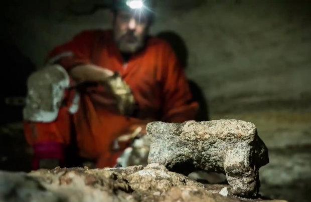 """Археологи наткнулися на давньокитайський """"ящик Пандори"""": 50 артефактів і смерть"""