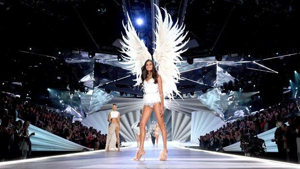 Моделі Victoria's Secret поскаржилися на домагання автора шоу - New York Times