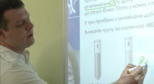Андрій Самойлов, кадр з репортажу Суспільне: Facebook
