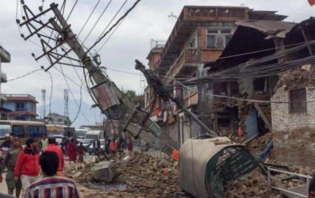 До  Непалу відправляють літак для евакуації українців - Яценюк
