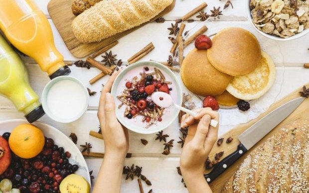 """Сніданки """"з собою"""": корисні і швидкі рецепти"""