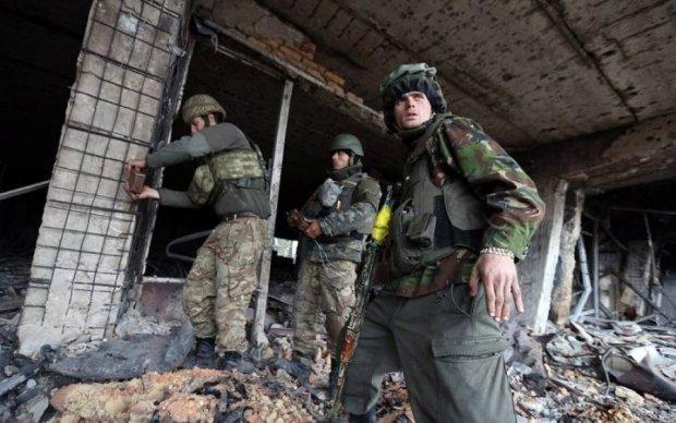 Як Донецький аеропорт перетворився на руїни: красномовні фото
