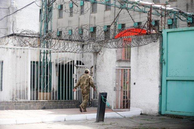 """Заключенные хитро """"разводят"""" украинцев: попасть на крючок может каждый"""