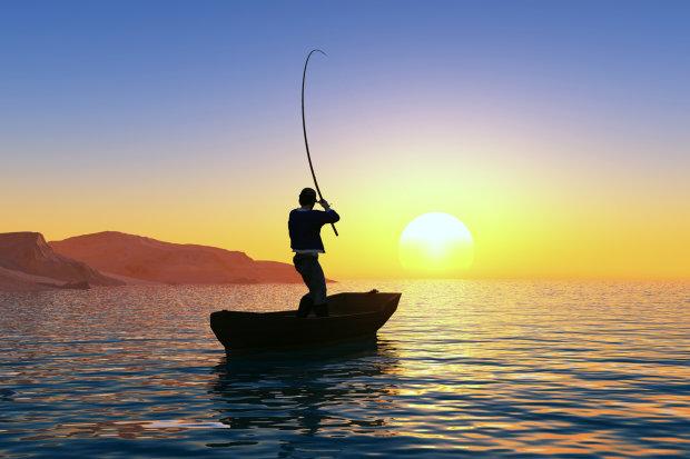 Рыбак вытащил из океана куклу, но ужаснулся, когда та раскрыла глаза и заплакала