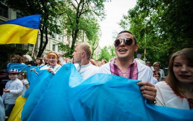 Ні туги, ні жалості: українська чиновниця трясе великий хабар із бійця АТО
