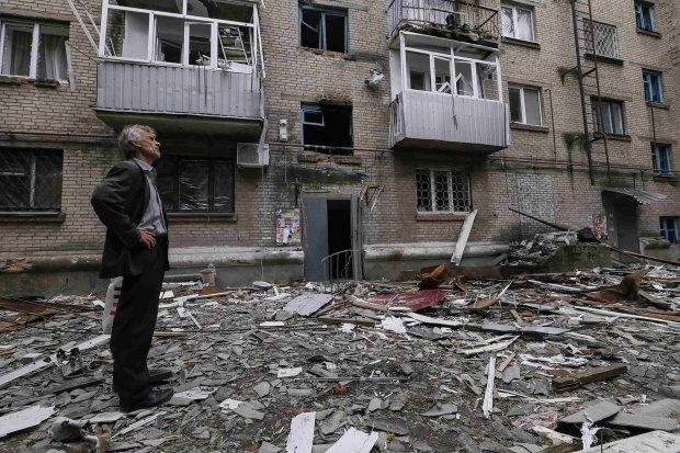 Путін стирає Донбас із лиця землі: пекельні наслідки окупації показали кількома фото, міста вмирають