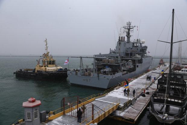 Корабель НАТО прийшов на допомогу українським воякам: британський міністр жорстко поставив Путіна на місце
